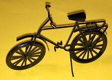 Puppenhaus Miniatur: Schwarzes Fahrrad / Herrenfahrrad aus Metall, Maßstab 1:12