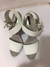 Dolce y Gabbana Blanco Patente Sandalias Correa De Tobillo talla 40/uk7 Tacones Altos