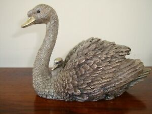 Country Artist Sterling Silver Swan & Cygnet (603g filled)