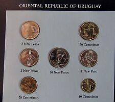 - URUGUAY - Set de monnaies UNC - dates mixées - Avec timbres -