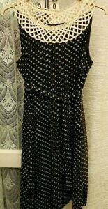 ( Ref 2207 ) Phase Eight - Size 14 - Black & White Sleeveless Below Knee Dress
