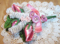 VTG CHRISTMAS CORSAGE PINK SEASHELLS PINK BEADS WHITE CHELLILE TREES SUGAR BELLS