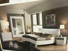 Laska luxurious Italian bedroom set also available in double bed