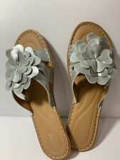 Sonoma Women's Leather Sandals Size 9 With Silver Leather Flower Detail.