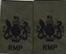 ROYAL MILITARY POLICE WO1 COMBAT Olive rank epaulettes