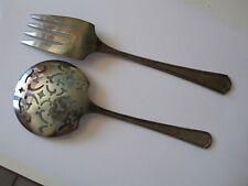 Saupoudreuse et fourchette  en métal argenté SIMEON L& GEORGE H. ROGERS COMPANY