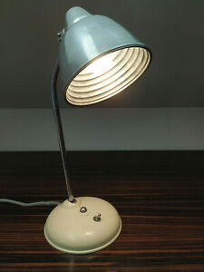 Stilvolle Helo Schreibtisch Lampe Leuchte Beige Industrie Design 50er und 60er