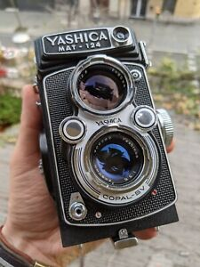 Yashica Mat - 124 with original accessories and case