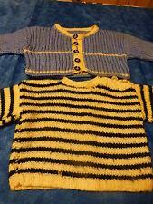 2 piéces  tricotées main  bleues pour poupée ,poupon   pull et gilet =bébé 6mois
