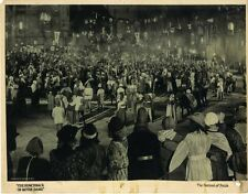 "HUNCHBACK OF NOTRE DAME, THE (1923) Lobby card ""Festival of Fools"" scene extras"