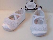 In Raso Bianco in Poliestere per neonate scarpe mai indossati Nuovo di Zecca Taglia 1 fino a 6 mesi