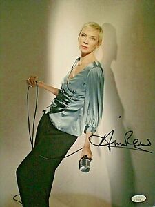 "ANNIE LENNOX SIGNED PHOTO BEAUTIFUL PHOTO OF LEGEND  ""EURYTHMICS"" - CERT JSA"