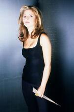 Sarah Michelle Gellar, great pose holding dagger as Buffy 4x6 photo