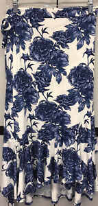 NEW 2.0 LuLaRoe 2XL Blue and White Floral Slinky Bella Wrap Skirt