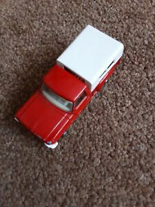 Ford Pick-Up with white detactable cover (Matchbox model no 6), nice and clean.