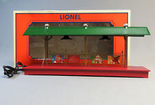 LIONEL ILLUMINATED CHRISTMAS STATION PLATFORM O GAUGE freight lights 6-84372 NEW