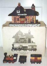 Dept 56 Train & Lighted Chadbury Station 4 Piece Set 65285 1986 Heritage Village