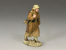 King & Country AK069 AK Rifleman in Greatcoat Marching World War II Toy Soldier