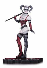 """NEW DC COLLECTIBLES RED WHITE AND BLACK ARKHAM ASYLUM HARLEY QUINN 7"""" STATUE"""