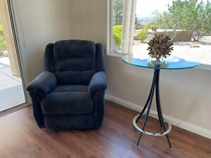 electric recliner lift chairs.  Used but good condition and very comfortable