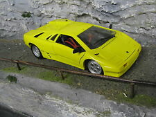 Maisto Lamborghini Diablo 1:18 Yellow paint has some damage