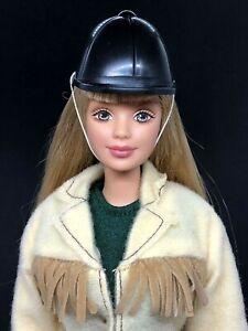1998 Horse Lovin' Barbie Doll # 23576 International Version Equestrian Outfit