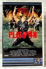 PLATOON - Mit Tom Berenger und Willem Dafoe und Charlie Sheen  - VHS -