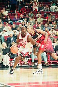 LD129-11 1997 Chicago Bulls Atlanta Hawks MICHAEL JORDAN (82)ORIG 35mm NEGATIVES