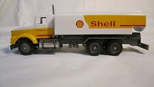 "Winross ""SHELL""  Kenworth T800, tandem axle, single stack TANKWAGON"