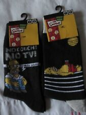 """BNWT 2 x """"THE SIMPSONS"""" BLACK SOCKS - """"NO COUCH NO TV"""" AND """"SUNBATHING""""-SIZE 4-7"""