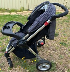 Steelcraft Agile Plus with reverse handle pram