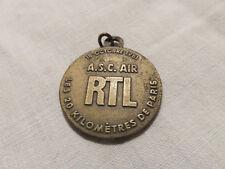 Médaille Breloque Insigne Sportive les 20 km de Paris ASCAIR RTL 18 Oct.1981