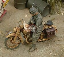 Royal Model 1/35 DKW NZ 350 German Motorcycle Rider WWII [Resin Figure] 266