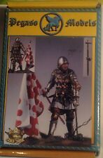 "Figurino in 54mm ""ENGLISH KNIGHT WITH FLAG, POITIERS 1356 - PEGASO MODELS"