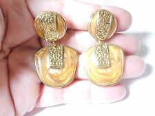 Vintage Signed Berebi Gold Tn Caramel Swirl Enamel Aztec Design Clip On Earrings