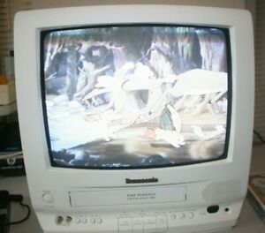 """Panasonic PV-M1358W 13"""" TV-VCR Combo White Retro Gaming Television with Remote"""