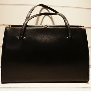 Vintage 1960's Palawear Navy Blue Leather/Gold Clasp Bag.