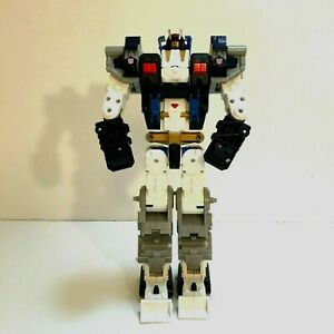 Hasbro Cybertron Metroplex Transformers Autobot Action Figure 2005