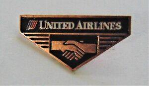 """Vintage United Airlines """"Hands"""" Pin Gold Tone Metal Enamel NIP"""