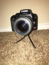 Canon EOS Rebel XS SLR Camera Kit with EF-S 18-55mm f/3.5-5.6 IS Lens MINT