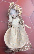 Très jolie petite poupée ancienne porcelaine