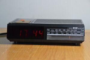 Vintage Retro 1980's Philips D3040 Clock Radio Alarm Tested & Working Good Cond.