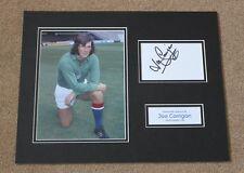 Joe Corrigan Manchester City Hombre mano firmado exhibición de Montaje de Foto Autógrafo Certificado De Autenticidad