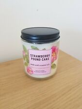 Bath And Body Works Strawberry Pound Cake Single Wick Candle 198g