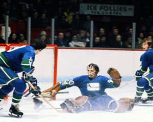 NHL 1972 Vancouver Canucks Goalie Dunk Wilson Color Game Action 8 X 10 Photo
