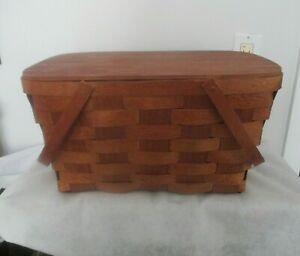 Vintage Woven Picnic Basket with Handles/Hinged Lid