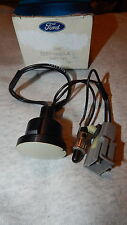 NOS 1982 86 LINCOLN CONTINENTAL 1983 84 THUNDERBIRD GLOVE COMPT LAMP AND SWITCH