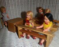 SALLE DE CLASSE VINTAGE AVEC 5 poupées MQ -  QUERZOLA MADE IN ITALY