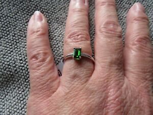 CHROME DIOPSIDE OCTAGON SOLITAIRE RING-SIZE N-0.570CTS-STERLING SILVER 925