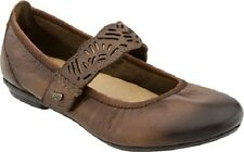 Earth Women's Pilot Round Toe Mary Janes in Almond Size 7.5
